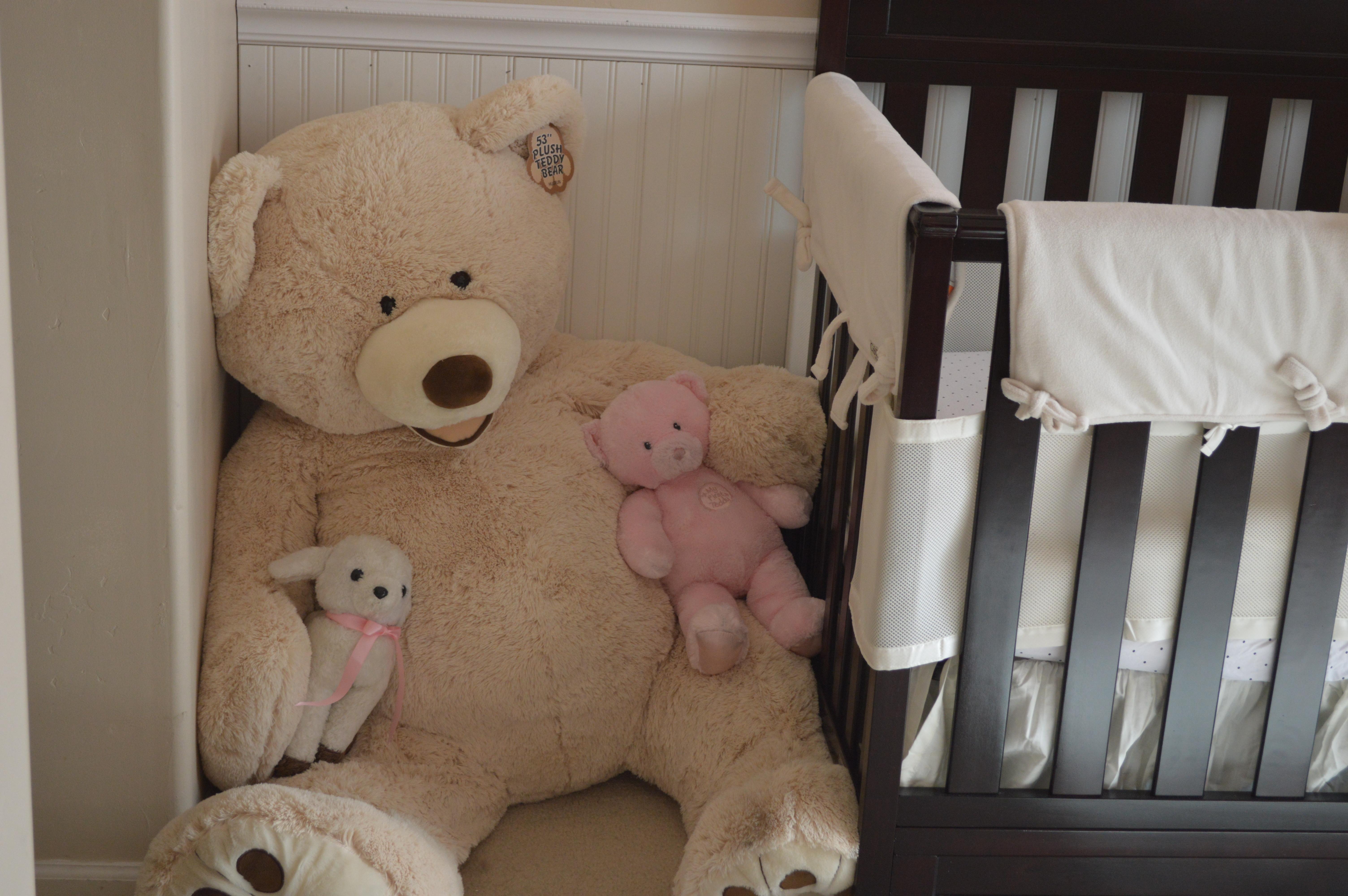 nursery for le baby